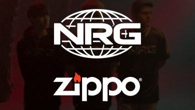 Photo of Zippo companions with NRG Esports' Apex Legends gamers