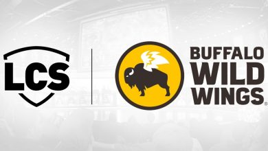 Photo of LCS dines with Buffalo Wild Wings partnership
